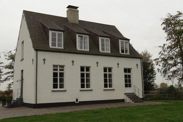 schilderwerk van woning en bijgebouwen